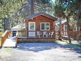 Bend Sunriver Camping Resort Studio Cabin 8 photos Exterior
