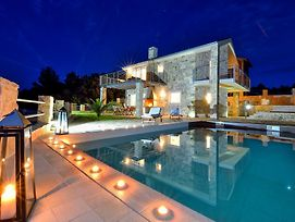 Amazing Villa Ele photos Exterior