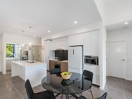 Round About Bulimba - Executive 3Br Bulimba Apartment Near Oxford St Shops And Restaurants photos Exterior