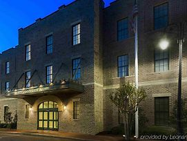 Residence Inn By Marriott Savannah Downtown/Historic Distric photos Exterior