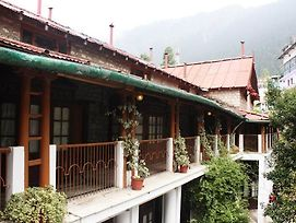 Oyo Rooms Tibetan Market Nainital photos Exterior