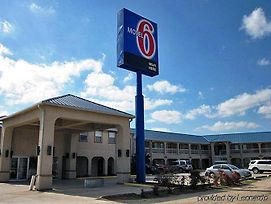 Motel 6 Seguin Tx photos Exterior