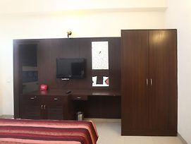 Oyo Rooms Esic Panchdeep Colony photos Exterior