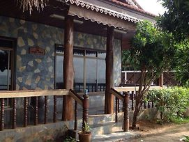 Baan Rim Lay Lipa Noi photos Exterior