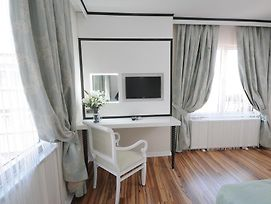 The Marions Suite photos Room