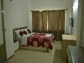 Honey Hospitality Service Apartment Magarpatta photos Exterior