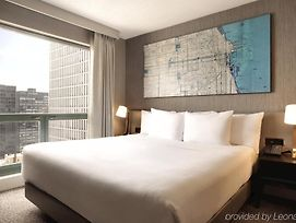 Hilton Chicago/Magnificent Mile Suites photos Exterior