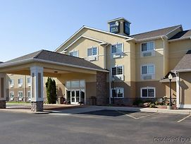 Crossings By Grandstay Inn & Suites photos Exterior