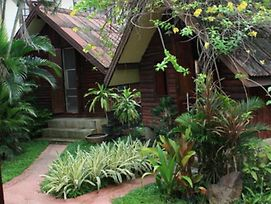 Ban Thai Guesthouse photos Exterior