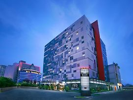 Neo Hotel Mangga Dua By Aston photos Exterior
