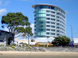 Ramada Suites By Wyndham Nautilus Orewa photos Exterior