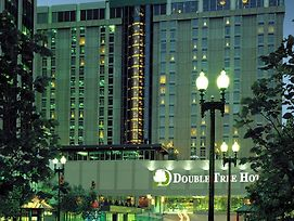 Doubletree By Hilton Omaha Downtown photos Exterior