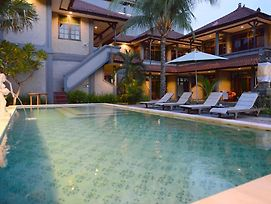 Amazing Kuta Hotel photos Exterior