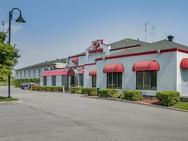 Econo Lodge Laval photos Exterior