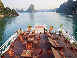 Halong Golden Bay Cruise photos Exterior