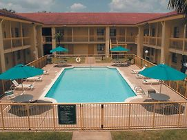 La Quinta Inn Houston Baytown West photos Exterior