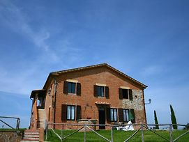 Traditional Farmhouse In Asciano With A Swimming Pool photos Exterior