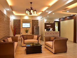 When In Gurgaon - Service Apartments, Near Medanta Medicity photos Exterior