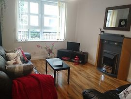 Bright 2 Bedroom Apartment With Parking In Edinburgh photos Exterior