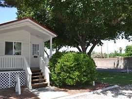 Las Vegas Camping Resort Cabin 6 photos Exterior