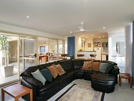 Dolphin 3 Bedroom House By Shoalwater Executive Homes photos Exterior
