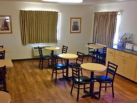 Americas Best Value Inn Missouri Valley photos Exterior