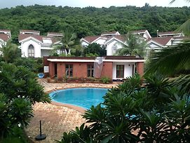 Pool Facing Apartment In Riviera Foothills Near Baga, Arpoara photos Exterior