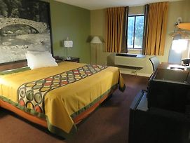 Super 8 By Wyndham Ankeny/Des Moines Area photos Room