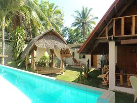 Alumbung Tropical Living photos Exterior