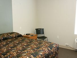 Woodspring Suites Jacksonville Southeast photos Room