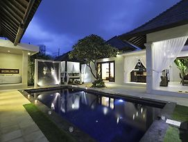 Blue Marlin Villas Legian photos Exterior