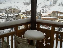 Studio In Les Deux Alpes With Wonderful Mountain View And Furnished Balcony 150 M From The Slopes photos Exterior