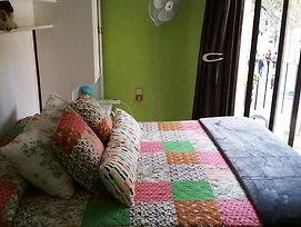 Barcelona Nice & Cozy Guest House photos Exterior