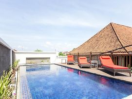 Reddoorz Plus Near Sanur Beach 2 photos Exterior