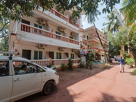 Oyo Stayout Baga Party Guest House photos Exterior