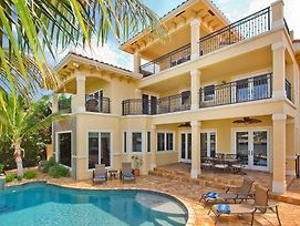 Waterfront Luxury Estate photos Exterior