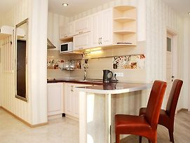 Apartments With Dnipro View photos Room