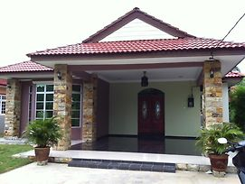 Sri Inai Homestay photos Exterior