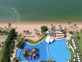 Luxury Villa Private Pool Beach In Movenpick Resort Pattaya photos Exterior