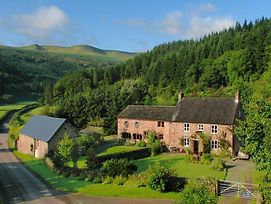 Large Farmhouse In Brecon With Garden photos Exterior