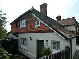 Nice Cottage In Crowborough Kent With Central Heating photos Exterior