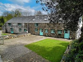 Amazing Holiday Home In Ystradgynlais With Garden photos Exterior