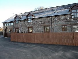 Traditional Holiday Home In Brecon On Working Farm photos Exterior