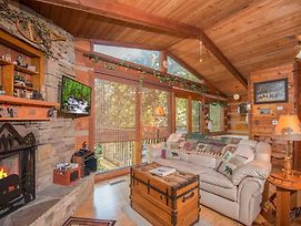 Rustic Charm 1 Bedroom Home With Hot Tub photos Exterior