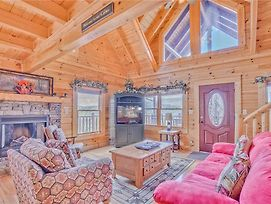 Serenity Peak 3 Bedroom Home With Hot Tub photos Exterior
