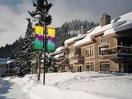 Sun Peaks Accommodation By Bear Country photos Exterior