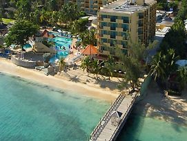 Sandals Dunns River Villaggio photos Exterior