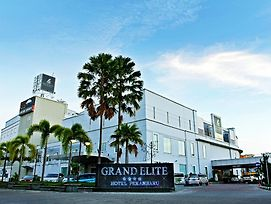 Grand Elite Hotel Pekanbaru photos Exterior