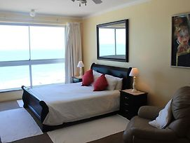 7 Views Self Catering Beachfront Apartment photos Exterior