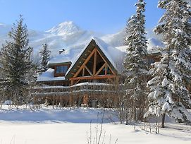 Vagabond Lodge At Kicking Horse photos Exterior